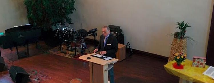 """Pfr. Niclas Willam-Singer predigt am 08.05.2016 in der FeG FFb zum Thema """"Mutter - eine Betrachtung in 10 Schritten"""""""