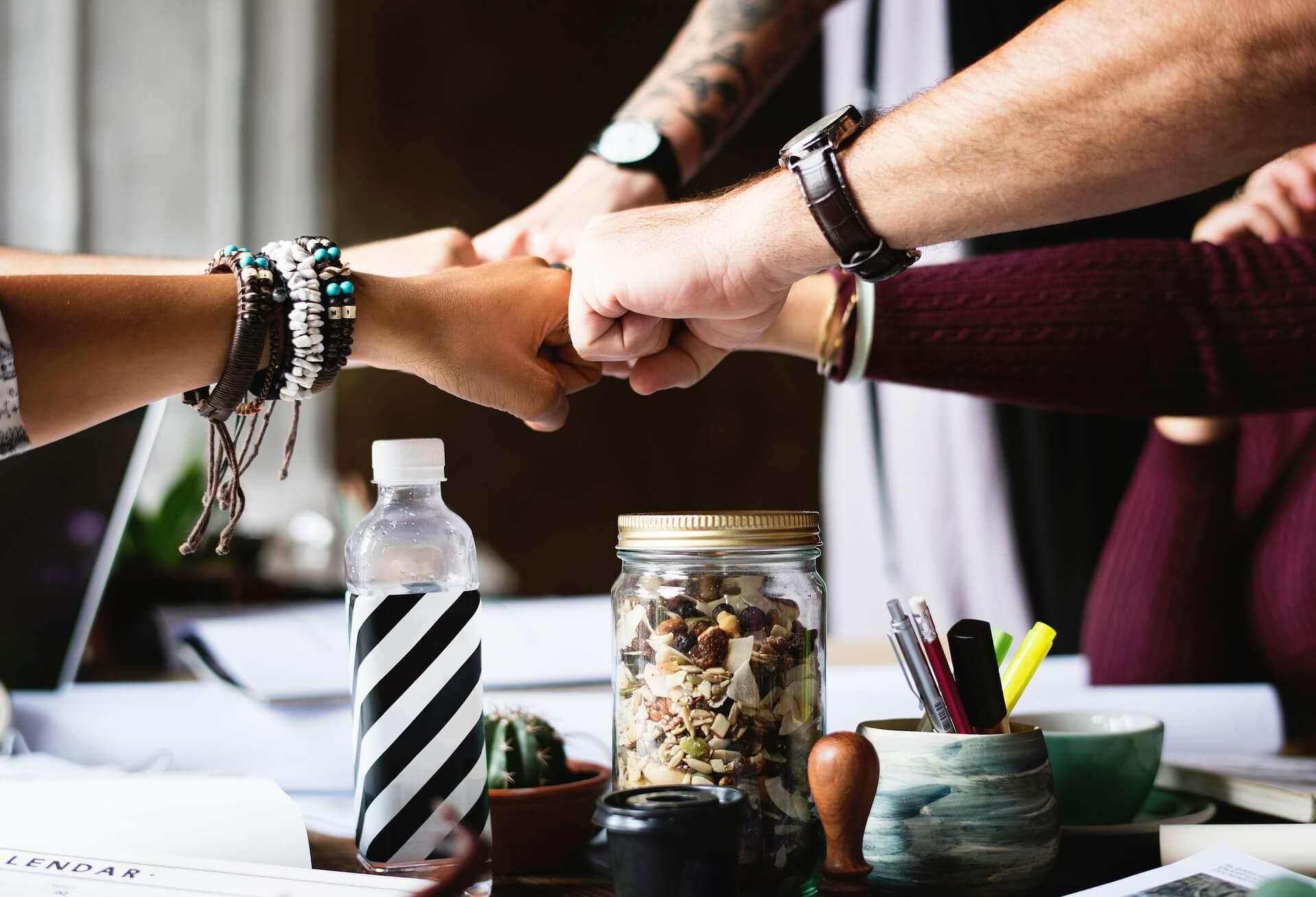 Hände: Symbolbild zum Welttag der Schulfreunde